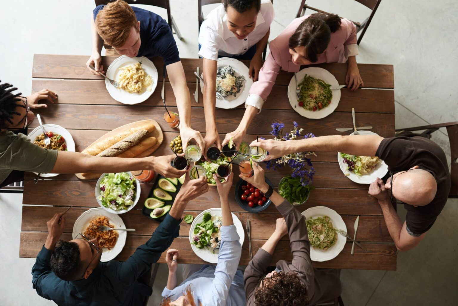 dinner party with estate planning for singles
