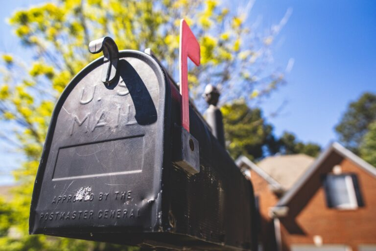 how to stop mail addressed to deceased person
